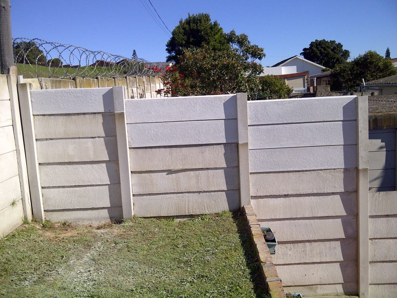 Manufacturing & Installation of Precast Walls.